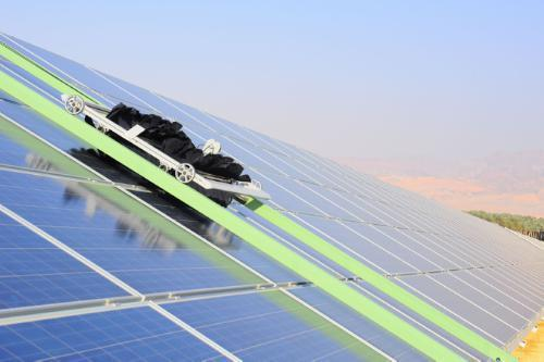 spalare panouri solare fotovoltaice